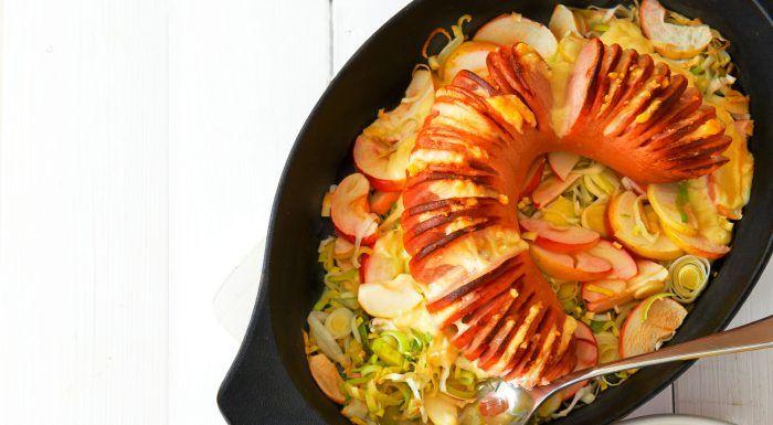 Falukorv i ugn –med äpple, purjolök och kålrotsstomp