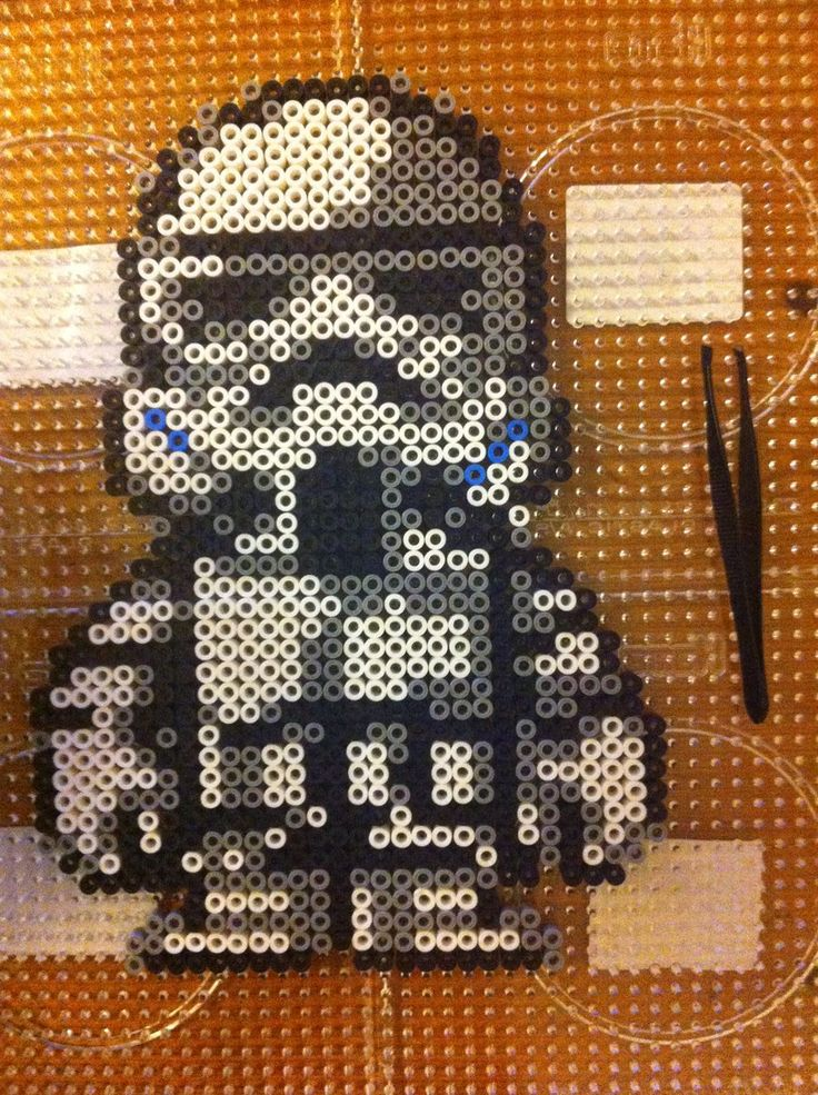 stormtrooper star wars perler beads hama perlen b gelperlen perler bead patterns. Black Bedroom Furniture Sets. Home Design Ideas
