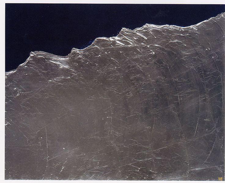 Anna-Eva Bergman Vague no 34 - 1973 Acrylique et feuille de métal, toile, 81 x 100 cm,