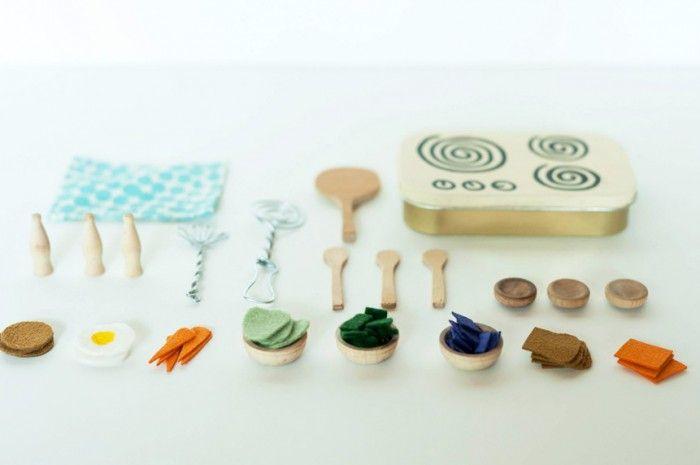 Een kookseltje naaien van vilt, Ikea pannetjes erbij!