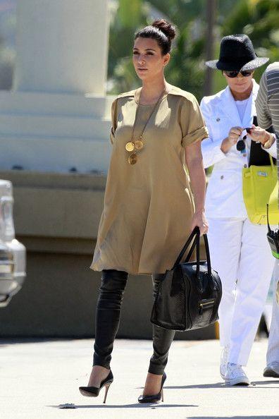 Kim Kardashian Photo - The Kardashians Walks Around San Diego