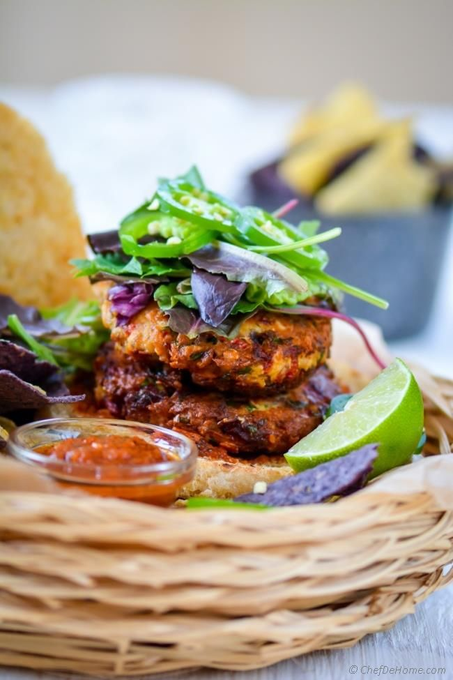 Spicy Southwest Albacore Tuna Burgers   chefdehome.com