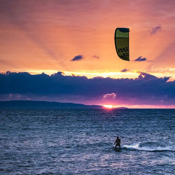 Autumn sunsets are the wildest here in Split. With a little help from @kitesurfsplit great moments like this are a common sight. . .. ... #split #croatia #sunset #kitesurf #sport #kitesurfsplit #surfsplit #autumn #vacation #downtime #relaxing #offdays #sunsets #sessions #islands #dramatic #colors #canon #photography #photographer #kitesurfer #visitsplit #croatiafulloflife #splitcroatia #canonphotography #canonhrvatska #canoncroatia #canonglobal #landscape #seascape