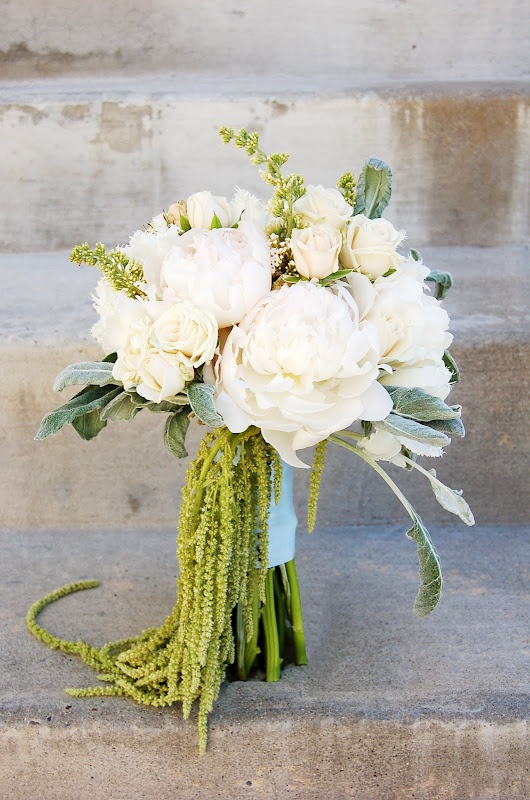 hanging amaranthus bouquet, Sacramento Vintage Glamour Wedding/ matrimonio inverno, salvia, bianco, verde