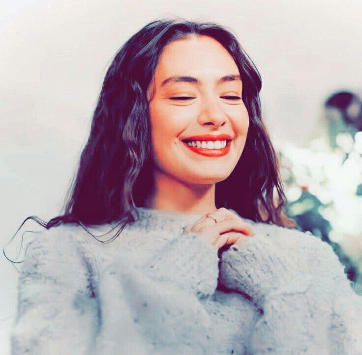 Pin By Neslihan Atagul On Neslihan Atagul In 2021 Girly Photography Aesthetic Girl Winter Photoshoot