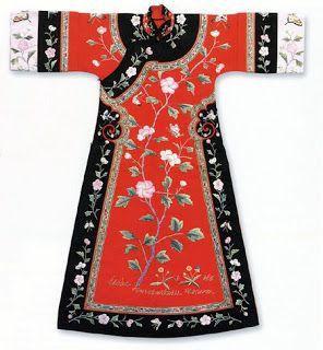 Китайские национальные костюмы: Маньчжурское платье ципао. Династия Цин. XVIII-XIX вв.