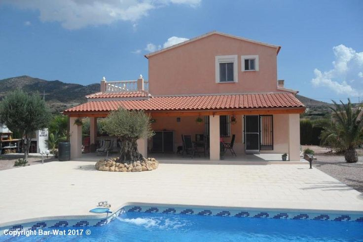 Property Ref: D3992 Beautiful Country house for sale near Hondon de los Frailes.This property offers porch, living/ dining room, kitchen 4 bedrooms, 3 bathrooms, air conditioning, central heating, garage, swimming pool, large plot The property is situated in a quiet location. An internal viewing is highly recommended. Price: 249.950 €