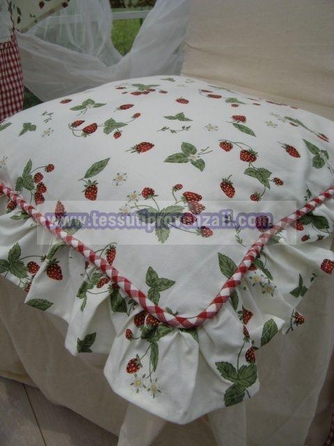"""Linea """"Strawberry Garden"""" Clayre & Eef, copricuscini, runner, tovagliati ed accessori"""