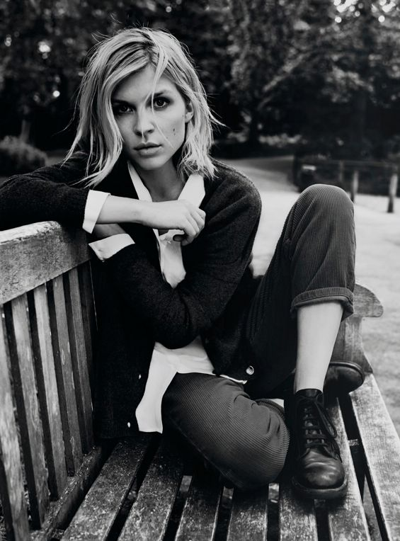 I am crazy about these new photos of actress Clémence Poésy for French label, Pablo. I don't know...