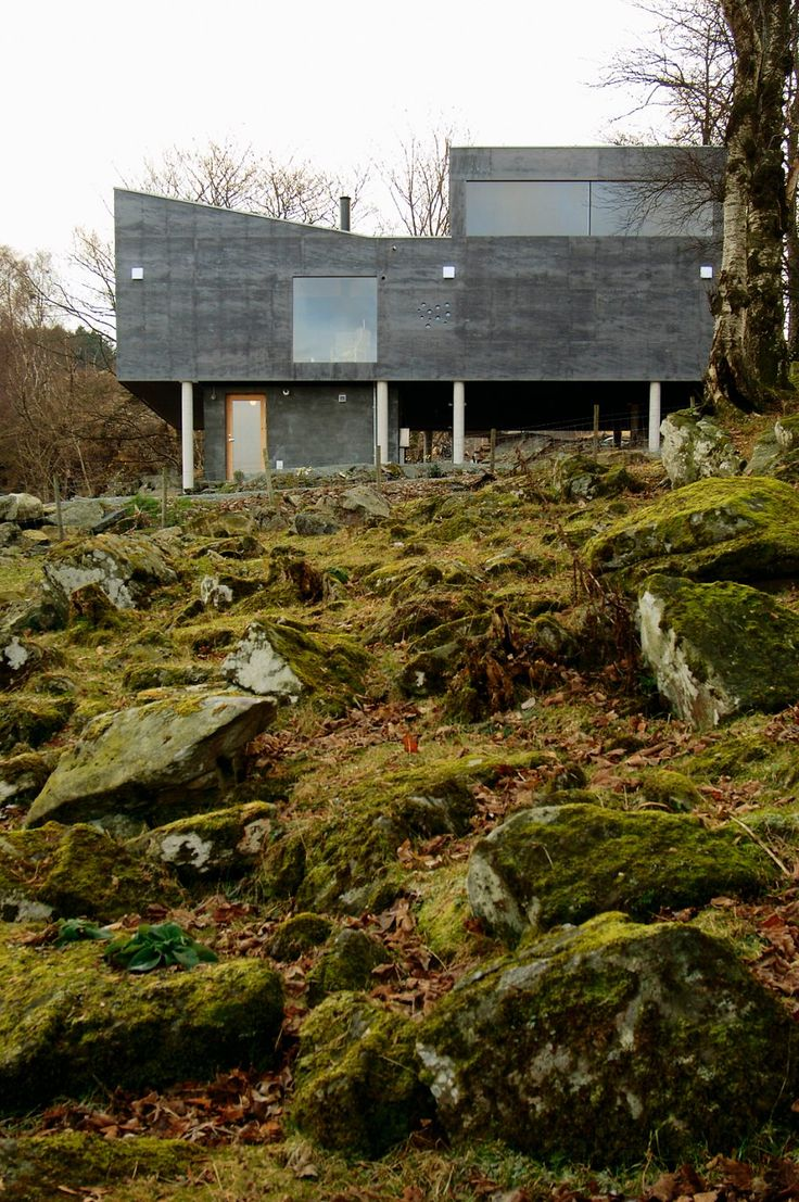 Knut Hjeltnes - Farm house, Rennesoy 2005. Via, photos (C) Nils Petter Dale.