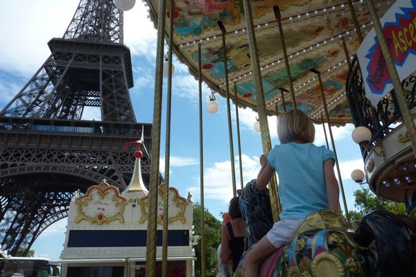 Paris isn't just for couples, its a great family destination as well. Here are some tips on making your family trip to Paris memorable. Tips courtesy of dinneralovestory.com