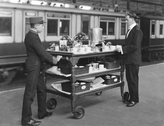 Refreshment trolley at Euston station, London, 1908.