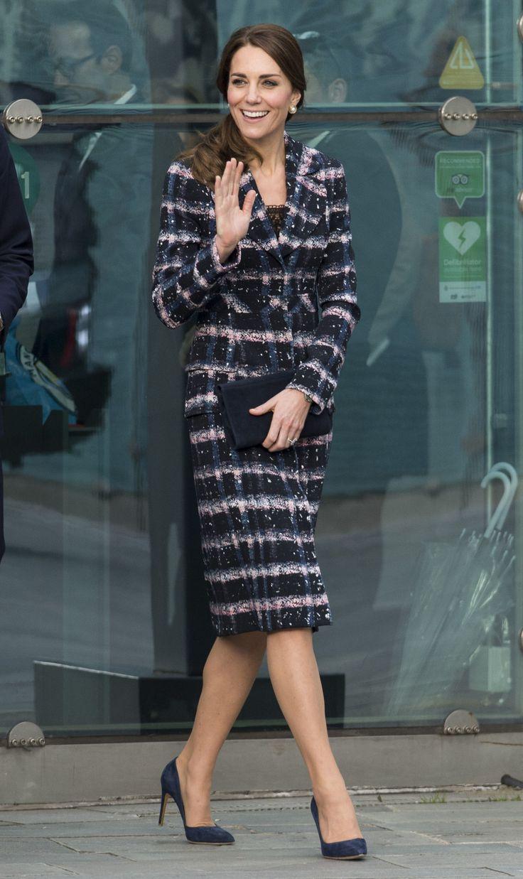 October | MANCHESTER, ENGLAND - OCTOBER 14: Catherine, Duchess of Cambridge visits The National Football Museum on October 14, 2016 in Manchester, England. (Photo by Mark Cuthbert/UK Press via Getty Images) via @AOL_Lifestyle Read more: https://www.aol.com/article/entertainment/2017/03/29/britney-spears-boyfriend-photo/22017297/?a_dgi=aolshare_pinterest#fullscreen