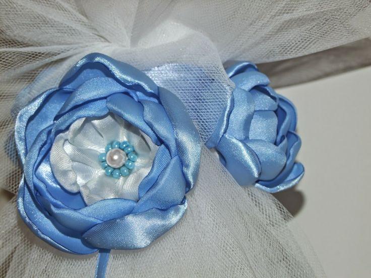 Lumanari pentru botez personalizate ,cu flori textile, culoarea albastru, detaliu