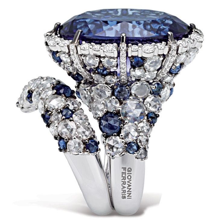 Giovanni Ferraris - Anastasia ring in white gold with sapphires, diamonds and tanzanite.