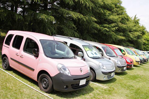 前回のカングージャンボリーで発表されたルノークルールの衝撃的なボディカラー「ピンク」のモデルも会場に現れていた。[「ルノーカングージャンボリー2012」会場]   画像10   「ルノーカングージャンボリー2012」600台を超えるカングーたちが富士のふもとに大集合!