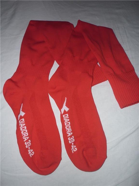 Annons på Tradera: Diadora långa röda strumpor knästrumpor innebandy strumpor 39-42 NYA!
