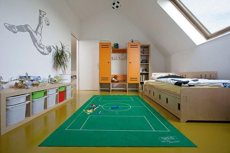 deco-chambre-enfant-theme-sport-lit-tapis-panier-rangement.jpg (800×533)