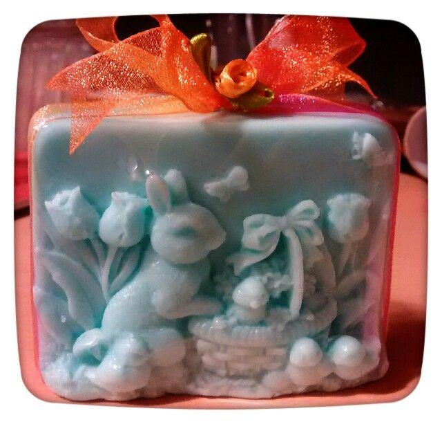 Hermoso jabón de conejito.