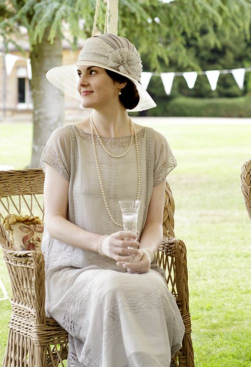 Lady Mary Crawley - Michelle Dockery in Downton Abbey Season 4, set in…                                                                                                                                                                                 More
