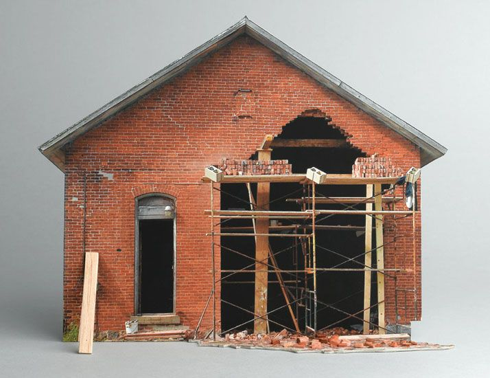 SCALE MODELS OF DECAYING HOMES || NationalTraveller.com