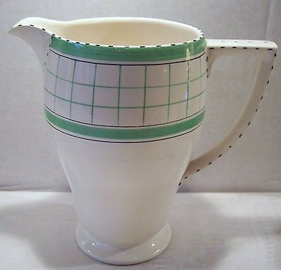 Vintage Art Deco British Anchor Cottage Green Water Milk Jug (02/19/2014) 10cm diameter at the top and stands 18cm tall
