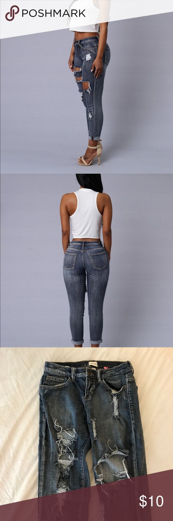 Fashion Nova Drew Boyfriend Jeans 🔹Low rise jeans  🔹Good used condition 🔹Getting rid of these because I don't like how they fit me  🔹Size 1, check out their website for any sizing questions  🔹Very cute jeans perfect for fall🍂 🔹Comment below if you have any questions :) Fashion Nova Jeans Boyfriend