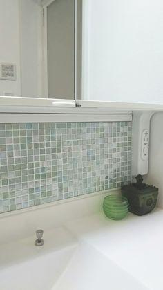 ガラスモザイクの洗面所
