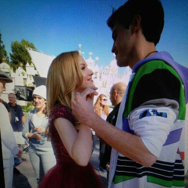 is dove cameron dating diggy from liv and maddie