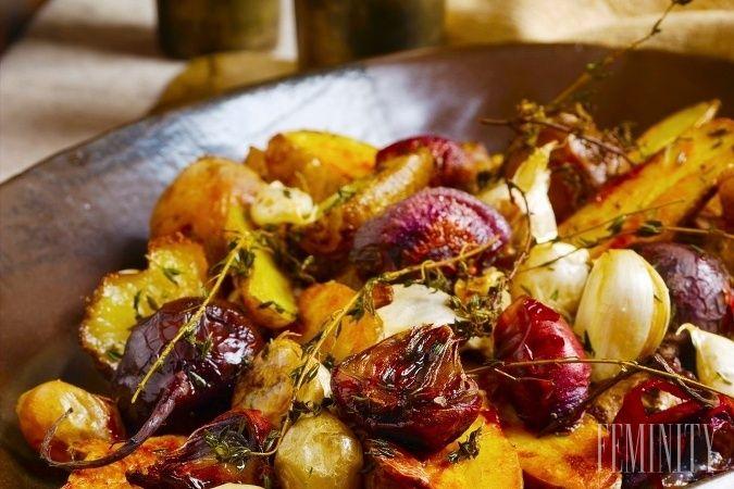 Pečená cvikla s cesnakom, balsamicom a opečenými zemiakmi