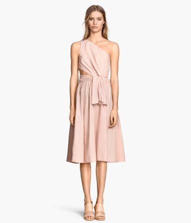 One Shoulder Dress via H&M. Asymmetry with a tasteful cutout. Perfection.