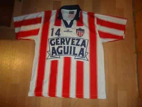 En la temporada 2000 la camiseta de Junior fue diseñada por la empresa Zodium.