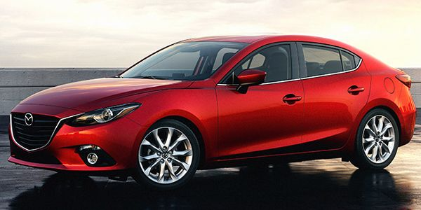 The perfect-sized car, the 2016 Mazda 3 Sedan can accommodate a family if necessary but can also accommodate only a driver without taking up excessive parking space.