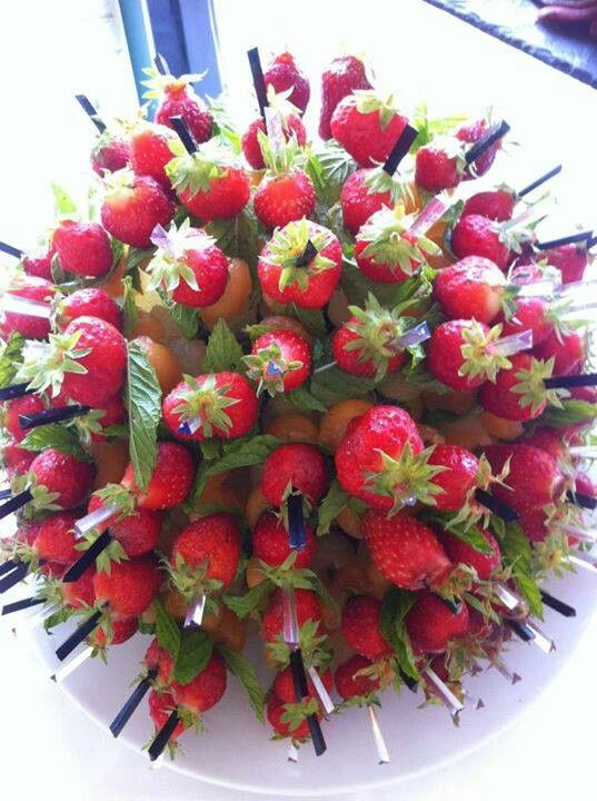 47 best images about fruits on pinterest - Presentation de brochette de fruits ...