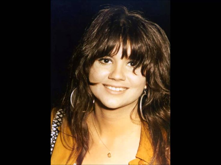 {{{{ FALL TO PIECES }}}}  ~~LINDA RONSTADT~~~  Love me some Linda Ronstadt; truly a classical musician not to mention classical beauty as well. She was quite the full package.