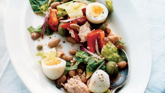 Tonfisksallad med borlottibönor och ägg