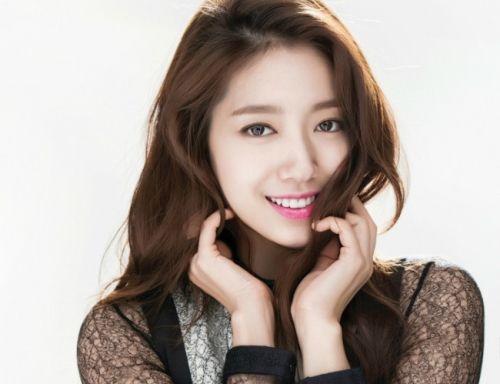 5 Gaya Rambut Korea ala Artis Cantik Park Shin Hye - http://aimynasywa.com/2016/07/5-gaya-rambut-korea-ala-artis-cantik-park-shin-hye.html