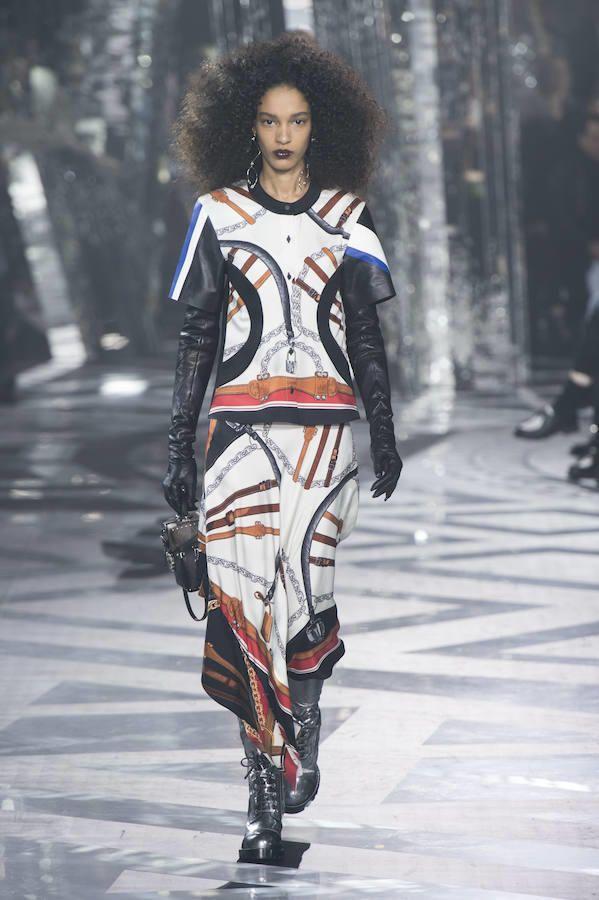Top y falda estampada de Louis Vuitton para el invierno 2016-2017