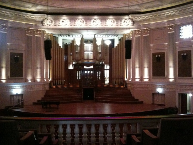 The beautiful pipe organ in the auditorium City Hall.