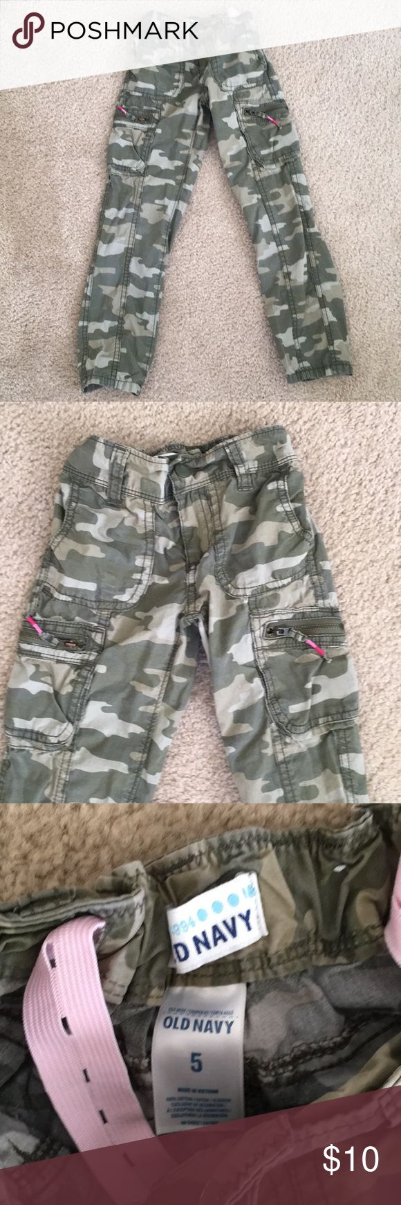 Girls Old Navy camo pants These are adorable!  Camo cargo pants from Old Navy. Decorative pulls on the zippers. Adjustable waist. Size 5. Old Navy Bottoms