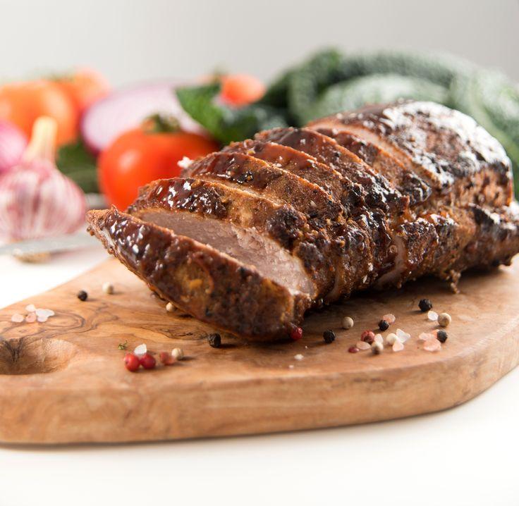 Filet de porc au miel et vinaigre balsamique/Coup de pouce 2002/Parce qu'il cuit rapidement et absorbe bien les marinades, le porc se prête naturellement à la cuisson sur le barbecue. Le miel contenu dans la marinade aigre-douce l'a fait caraméliser pendant la cuisson et forme une délicieuse croûte/top 30 des meilleures recettes