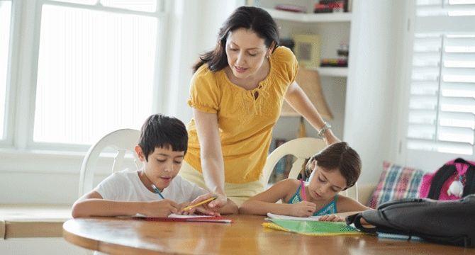Synthèse d'études sur l'instruction en famille - La création d'une nouvelle forme de communauté éducative - Le mouvement d'apprentissage en famille rassemble autour de l'enfant une forme de «village» ou de communauté éducative qui diffère d'un «village» de type scolaire. La famille, la communauté et le tiers milieu éducatif y sont à l'avant-plan. C. Brabant & S. Arsenault