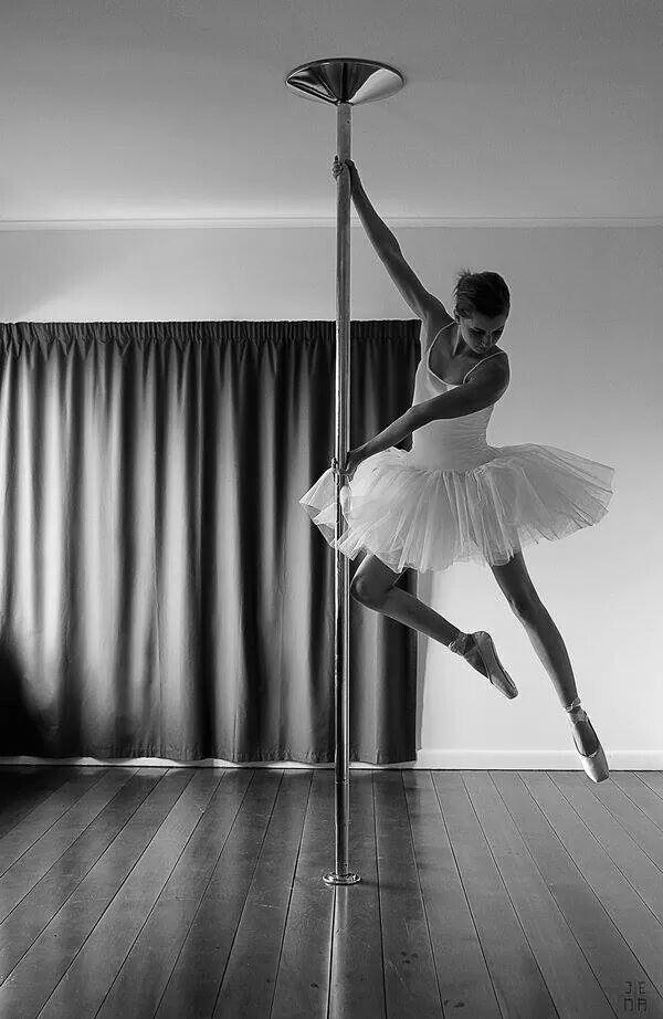 17 best ideas about figure pole dance on pinterest figures pole dance mouvements de pole. Black Bedroom Furniture Sets. Home Design Ideas