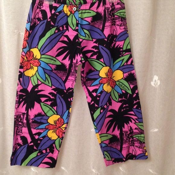 Surf Line Hawaii capris FINAL PRICE DROP!! Fun and colorful low rise capris drawstring at back of waist. Button closure. Back pocket says Butt- Cuts originals. Perfect for the beach, lake or vacationing in the tropics. Team up with your favorite tank & flip flops. Surf Line Pants Capris