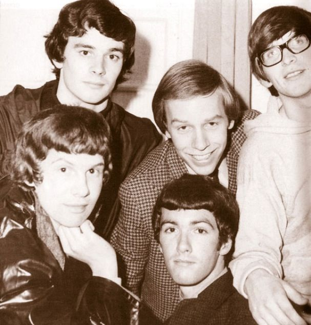 THE ZOMBIES    ....  Rod Argent .. Colin Blunstone ..   Tom Tooney  ..  Jim Rodford ..Steve Rodford