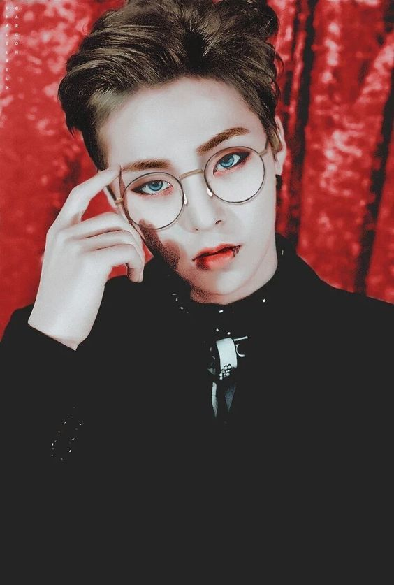 Literally my fav Xiumin pic. I'm still not understanding tho...why the god darn heck is this boi so good looking. What science experiment was he involved in that gave him these results. I'll participate in the same experiment...they don't even gotta pay me.  -@BeautyandthPoet