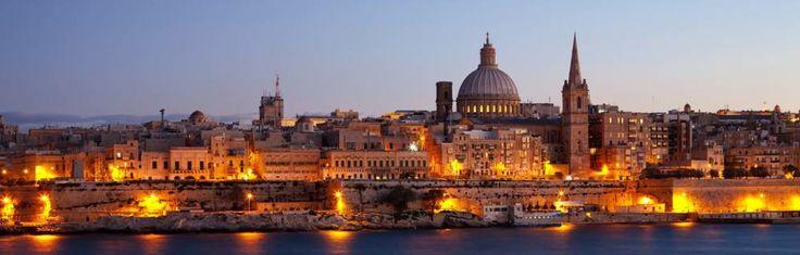 la République de Malte, en maltaisMaltaou Repubblika Ta'Malta. C'est un Etat insulaire, membre de l'Union Européenne depuis le 1er Mai 2004. Malte a intégré la zone euro le 1er Janvier 2008. C'est le plus petit État de l'Union européenne, c'est aussi le pays le plus dense du monde, sans compter les cités-États. La République deMal...