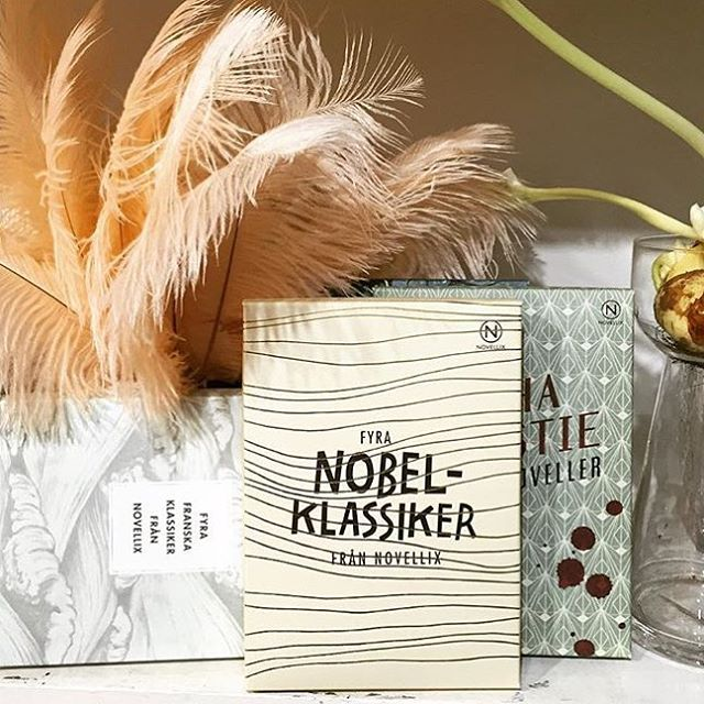 Nobelklassiker, Franska klassiker och Agatha Christe tillsammans med fantastiska blommor hittar du hos @soderfloristen reinsta #soderfloristen #novellix #agathachristie #blomsteraffär