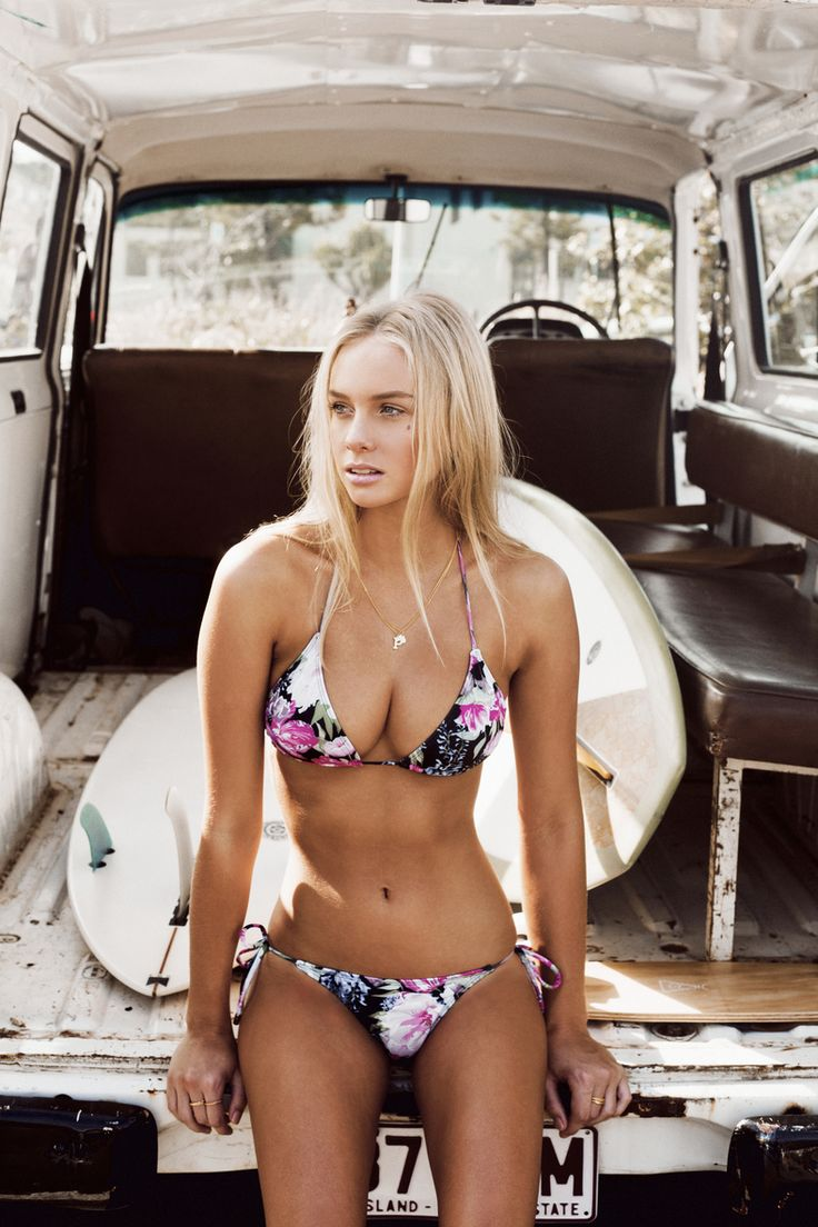 Floral... love this! wonder where she is??? in the meantime, see more GREAT Swimsuits in the Swimwear Shop only at: http://HotWomensClothes.com/swimwear oakley$24.99:http://www.okglasseslove.com