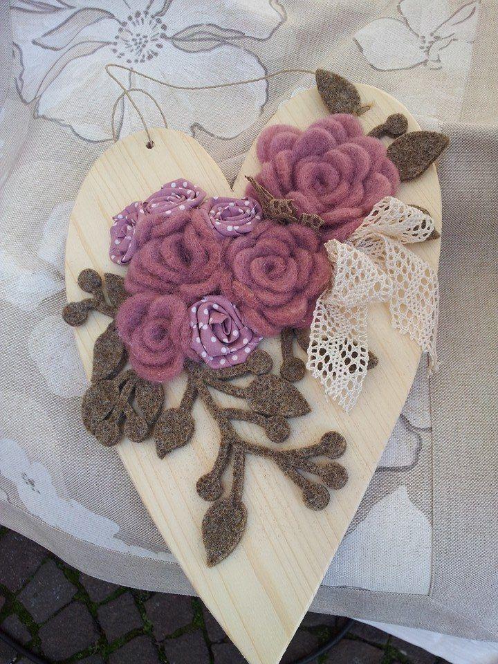 Cuore in legno e feltro/dal web